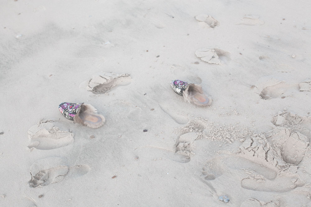 gucci slippers  samantha de reviziis beach  doha
