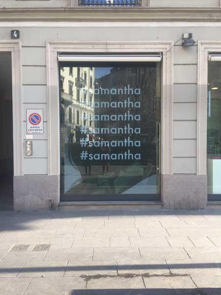 samantha de reviziis maxi banner a led milano